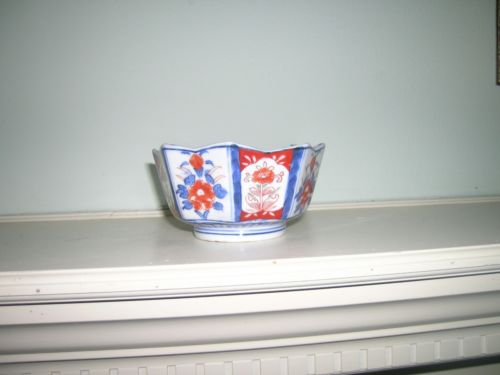 Antique IMARI porcelain bowl blue red green 8 panels hand painted