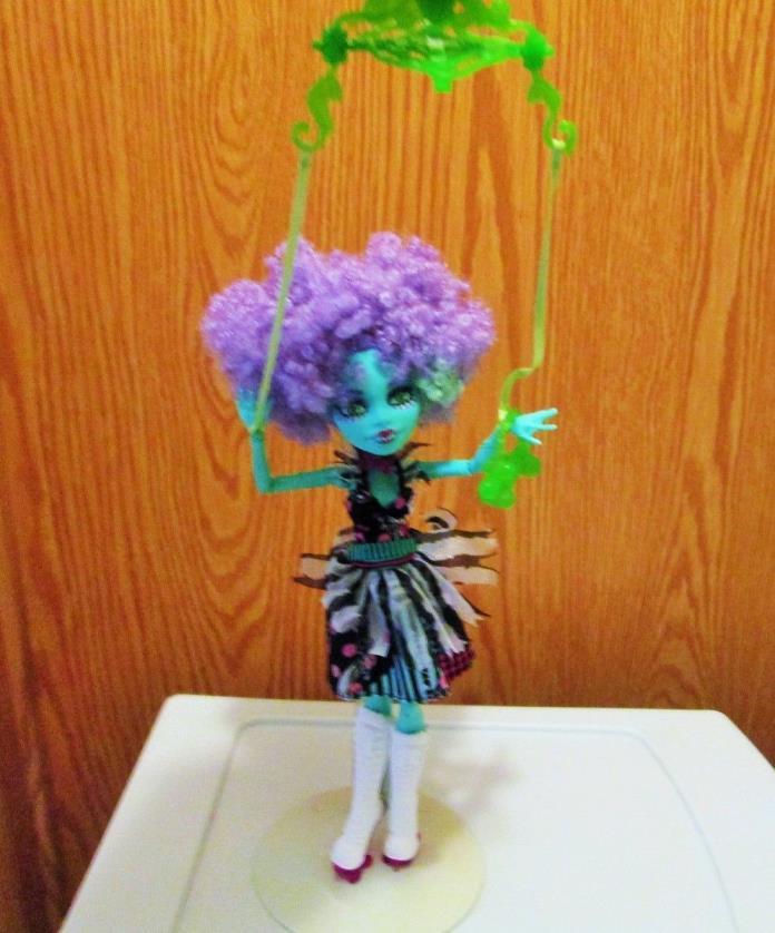 2013 Mattel Monster High Honey Swamp