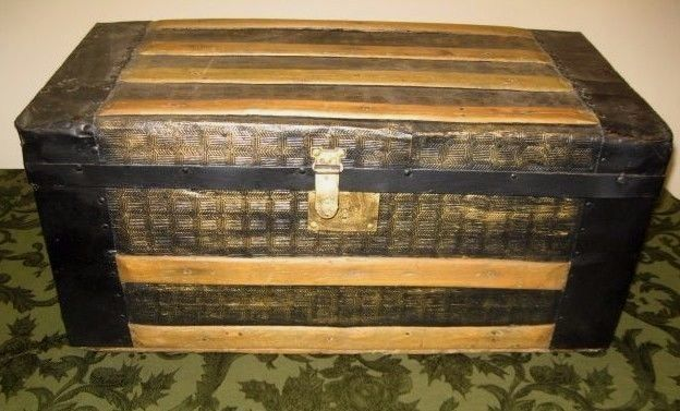 BEAUTIFUL RESTORED ANTIQUE WOOD & TIN TRUNK ~ QUILT LINED, ORIG. INSERT c1880s ~
