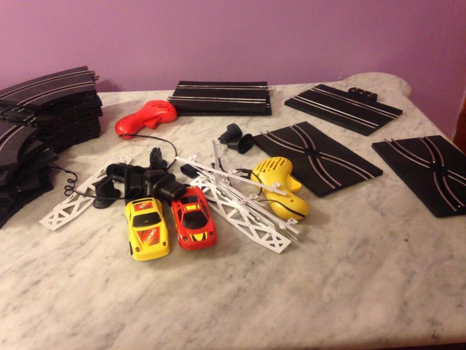 SLOT CARS AND TRACK SET                                   GB39