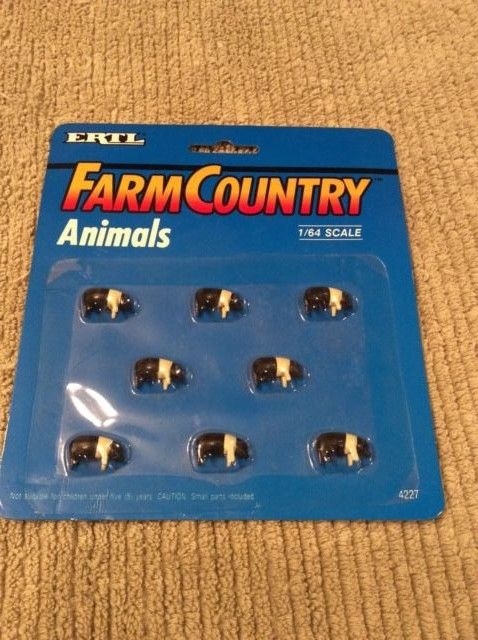 Ertl Farm Country Toy Pigs Hogs Accessory Set Animals MIP 1/64 scale #4227