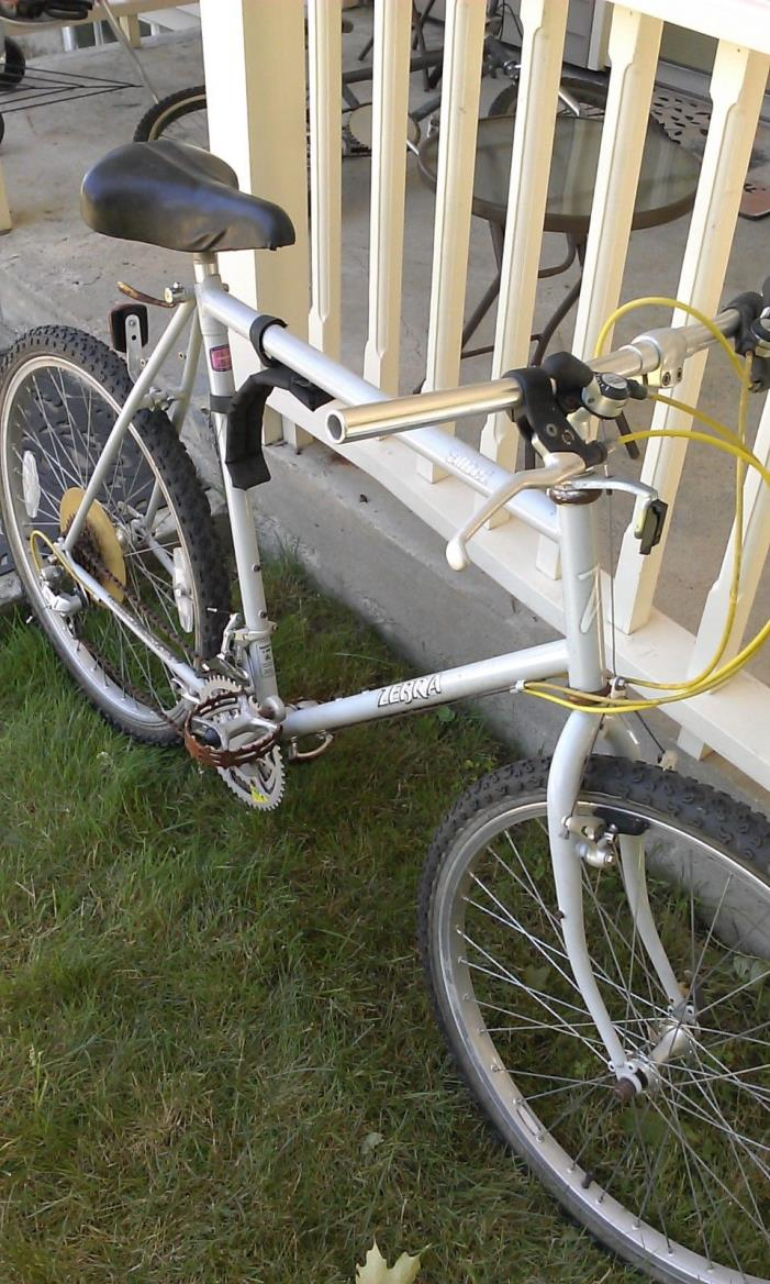 Vintage Zebra Mountain Bike Tange Lugged  Large frame Araya 7x 26 inch wheels