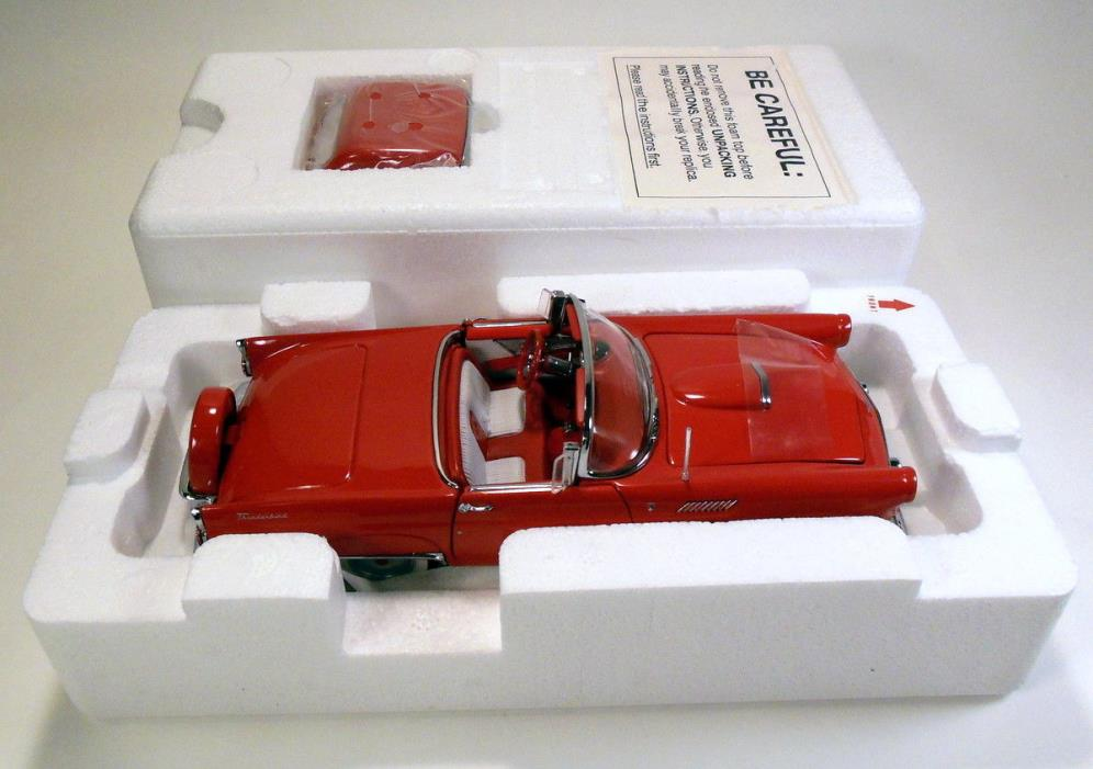 DANBURY MINT 1956 FORD THUNDERBIRD 1:24 NEW IN BOX - RED COLORED