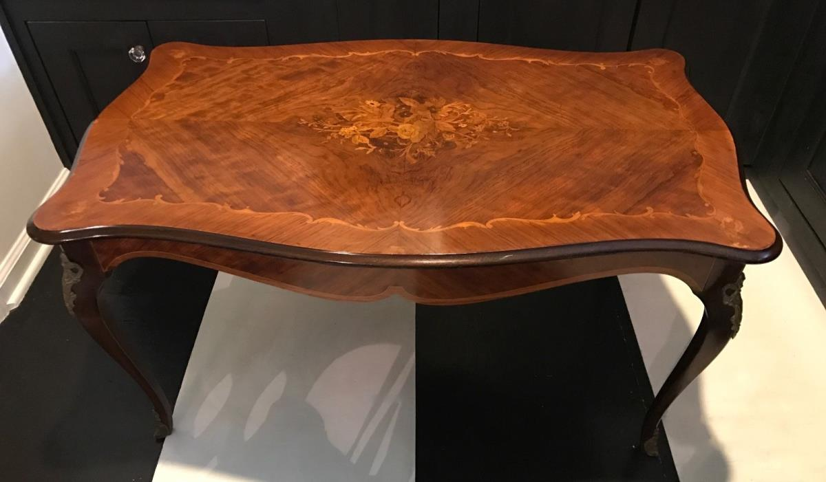 Coffee Table w/Marquetry Inlay & Cabriole Legs w/ Brass Embellishments