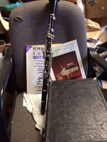 Reso Tone Clarinet With Case And 100s Of Sheets Of Music Good Conditon