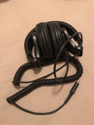 ShureSRH440 Studio Monitoring Headphones