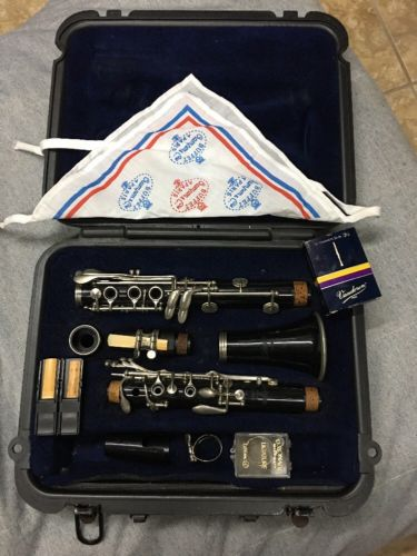 Selmer CL 300 Clarinet Used student- good condition