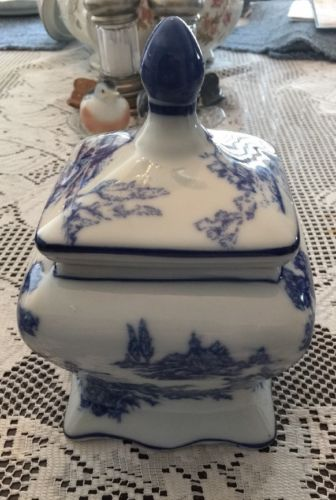 Old Chinese Porcelain Covered Bowl Dish Blue & White Double Blue Marks