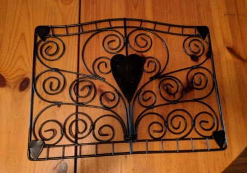SCROLLED WROUGHT IRON PHOTO CARD DECORATION DISPLAY W/ HEARTS 17