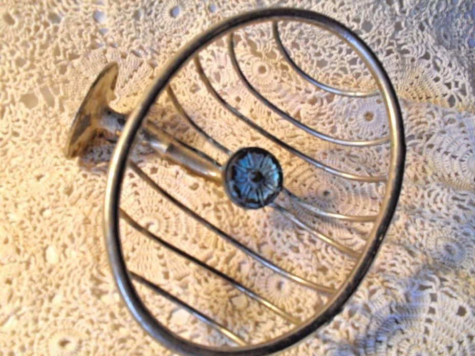 ANTIQUE IRON WIRE SPONGE SOAP HOLDER*WALL MOUNT~CHIPPY & PATINA