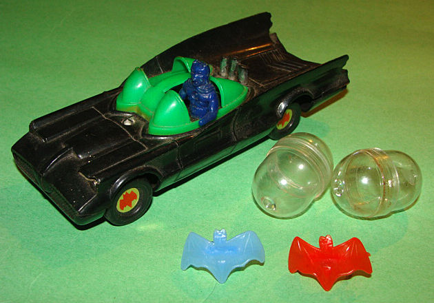 Vintage Azrak Hamway Batman Batmobile Toy Car +2 Bat Logo Gumball Machine Rings