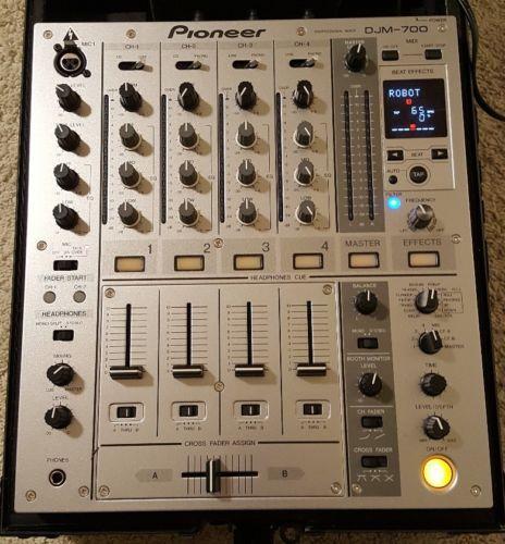 Pioneer DJM 700 4 Channel professional DJ Mixer (Silver) W/ Odyssey Case