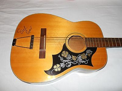 SHERYL CROW SIGNED ACOUSTIC 12 STRING GUITAR CMA FEST 2014