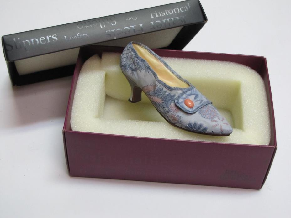 Just the Right Shoe LAVISH TAPESTRY #25087 c1760 Type Pointy Brocade Pumps NEW
