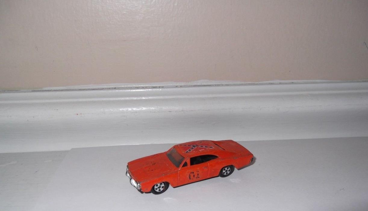 VINTAGE 1981 Dukes of Hazzard die cast race car General Lee 1/64 boys toys