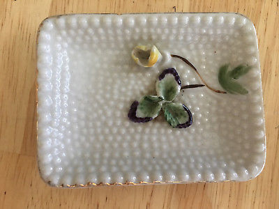 GLASS RING HOLDER WITH RAISED FLOWER AND PETAL