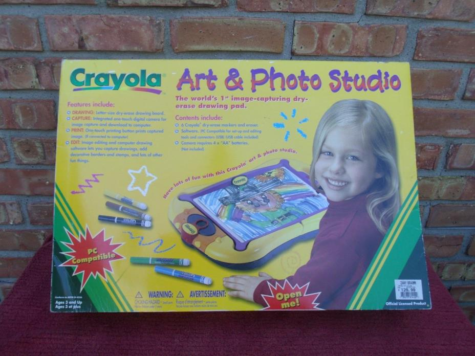 CRAYOLA ART & PHOTO STUDIO - HARD TO FIND- NEW IN THE BOX