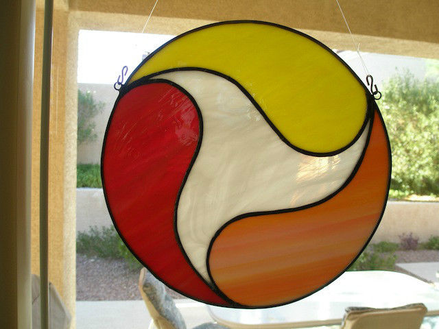Y56  STAINED GLASS 12 INCH  4 COLOR  WINDOW SUNCATCHER