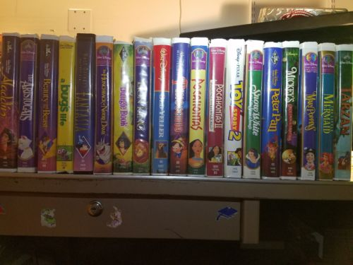 LOT Of 19 VHS/VCR Disney Classic Kids Movies