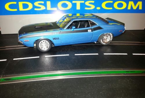 SLOT CAR 1:24 Car /Dodge Challenger T/A 1970 25K motor alum wheels with inserts