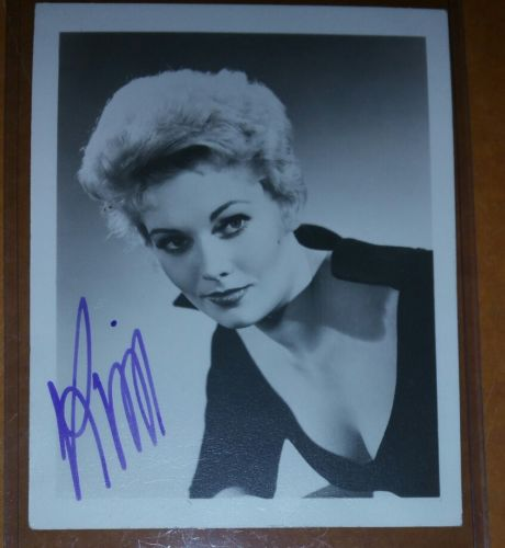 1957 KIM NOVAK CELEBRITY AUTOGRAPH PHOTO HOLLYWOOD GOLDEN ERA GORGEOUS
