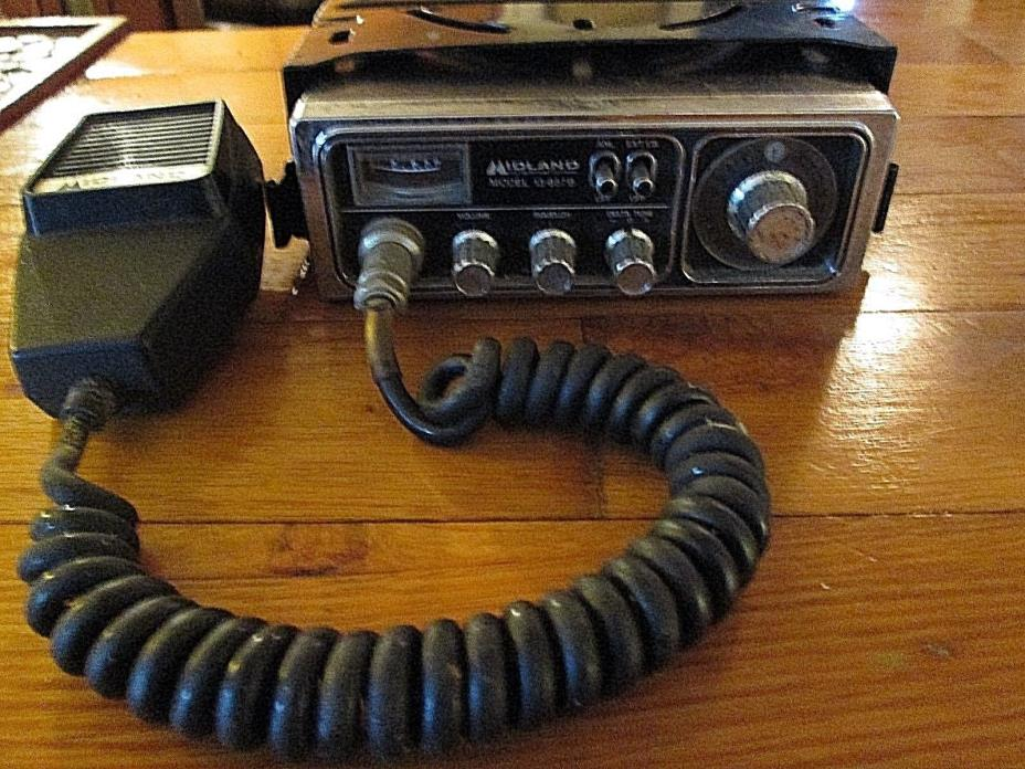 1976 - CB Midland International 13-857B CB Radio w/ Mounting Bracket NOT TESTED
