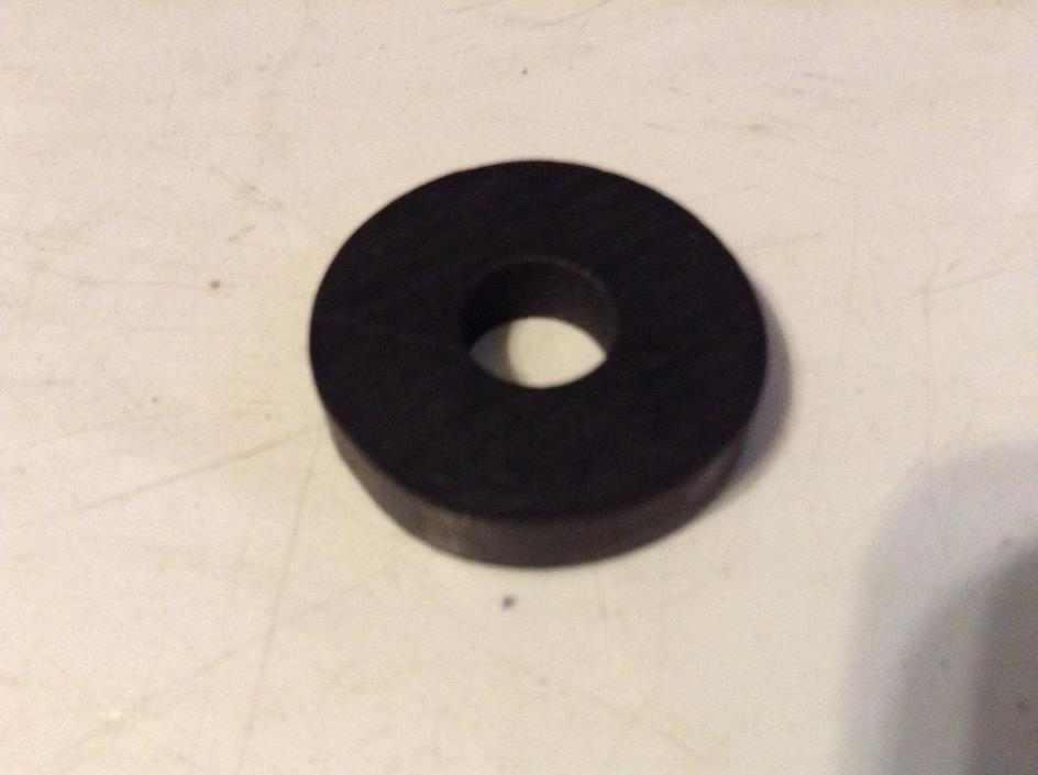 A142098 - A New Valve Cover Stud Sealing Washer For A Case 930, 970, 1030 Tracto