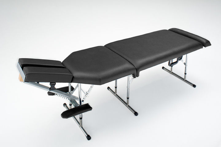Deluxe Portable Chiropractic Table - Black