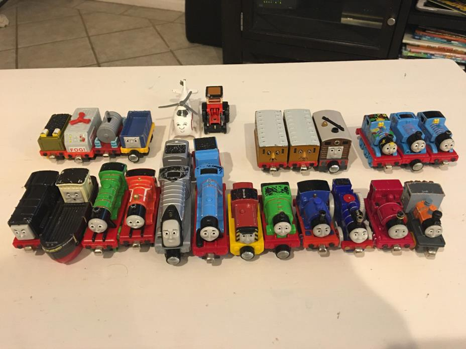 **Lot of 25** Thomas the Train die cast and plastic track**