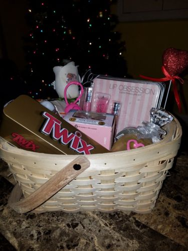 Women's Gift Basket w/ Coach Bag, VS, Yankee Candle & Bath & Body Works