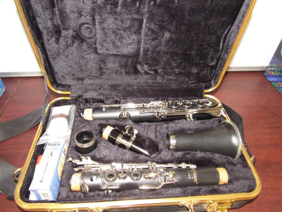 Selmer 1400 Clarinet [13E]
