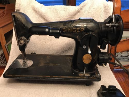 Vintage Singer 201 Direct Drive Sewing Machine #AH365853 with buttonholer