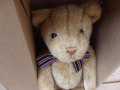 Gund Rare Collector's Club Bear 1997 NIB! Mint! Never Displayed!