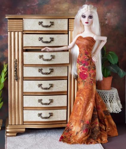 Tonner Ellowyne, Evangeline Ghastly  Steampunk BJD Furniture Doll Diorama