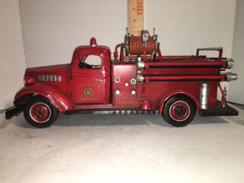 Metal Scale Model Of 1941 No. 7 Antique Mack Truck Volunteer Fire Engine