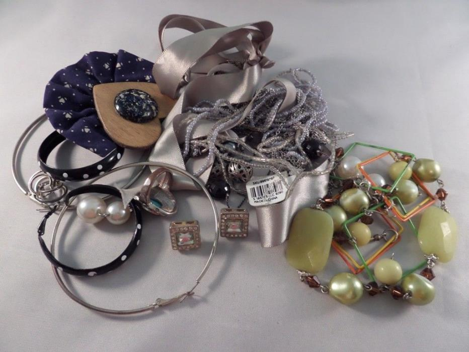 Damaged Jewelry Lot for Parts Repairs or Crafting D4