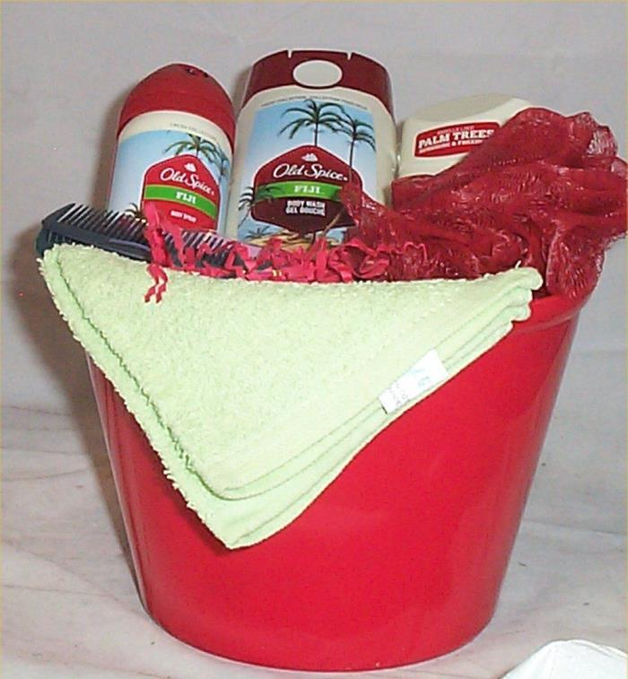 Mens Old Spice Fiji Gift Basket Body Wash Spray Deoderant Bath Puff Combs
