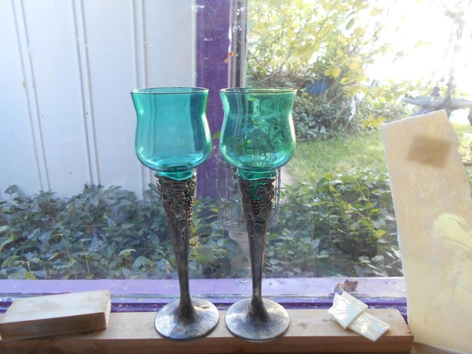 BLOWN STAINED GLASS KELLY GREEN WITH SILVER GRAPE VINE STEMS