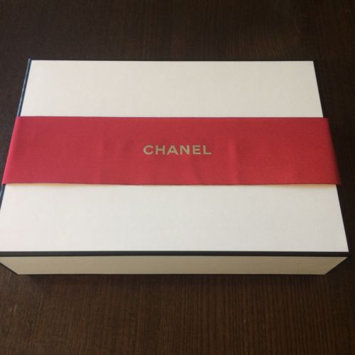 CHANEL Black & White Signature Gift Box 9.75x6.75x2.75  w/Red Ribbon & Tissue