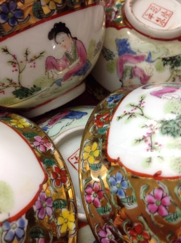 Vintage Chinese soup/rice bowls trimmed in gold