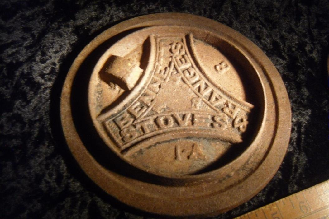 Antique Cast Iron Bennett Range Stove Wood Burner Lid CRACK Coal Top Kitchen Vtg