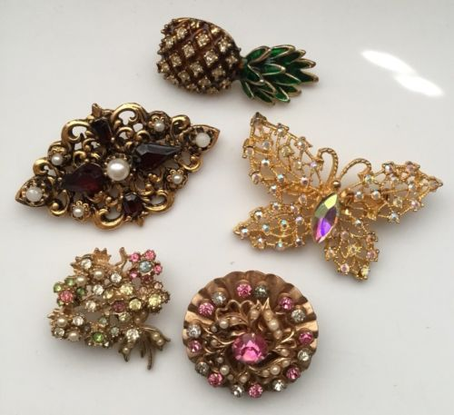VINTAGE RHINESTONE JEWELRY CRAFT LOT WEISS BUTTERFLY