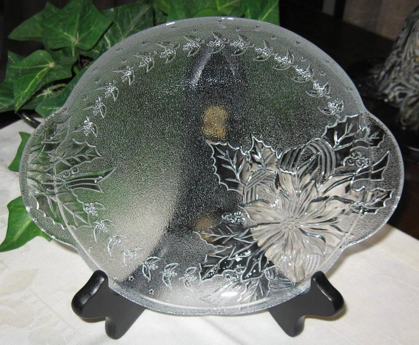 KIG Indonesia Textured Art Glass Poinsettia Serving Platter Tray Plate Christmas