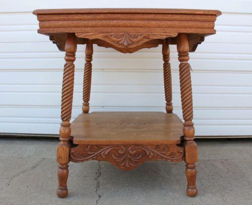 Extra Fancy Ornate Oak Carved Apron Parlor Lamp Hall Bedside Table w Lower Shelf