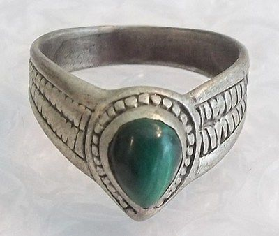 Vintage Navajo Sterling Silver Malachite Stone V Band Ring Sze 8  4.9g