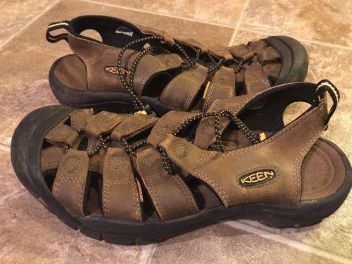 KEEN Newport H2 Brown Waterproof Leather Sports Sandals Mens sz 9 Fisherman