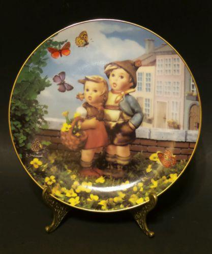 SURPRISE Little Companions Plate M J Hummel Danbury Mint *Excellent*