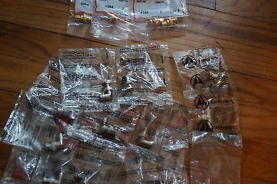 18 New Old Stock AMPHENOL and Pomona Elec.BNC Connectore Elbows,Tees  NICE LOT !