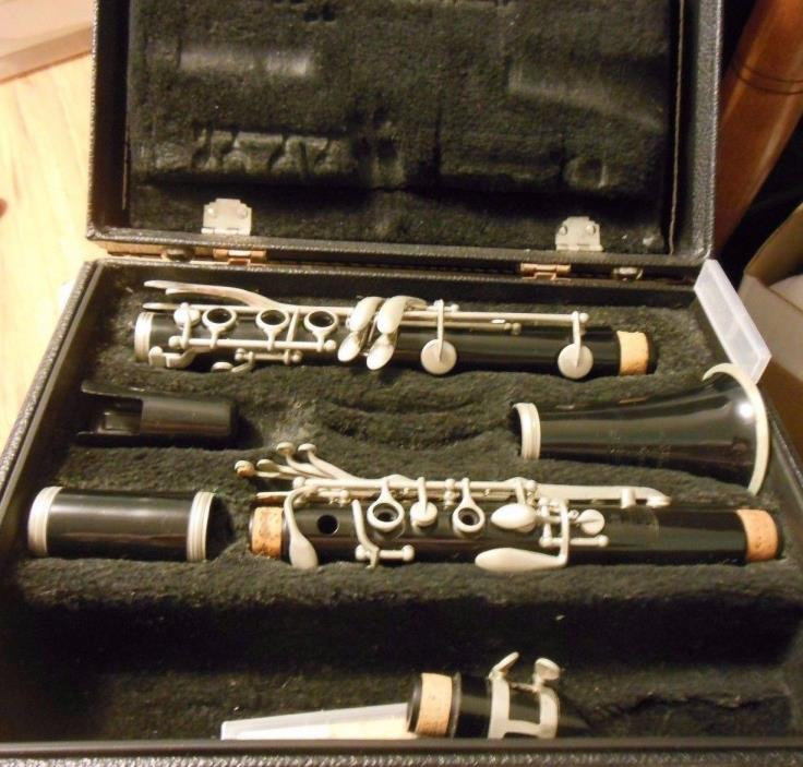 Bundy The Selmer Company Plastic Clarinet with hard case  vintage