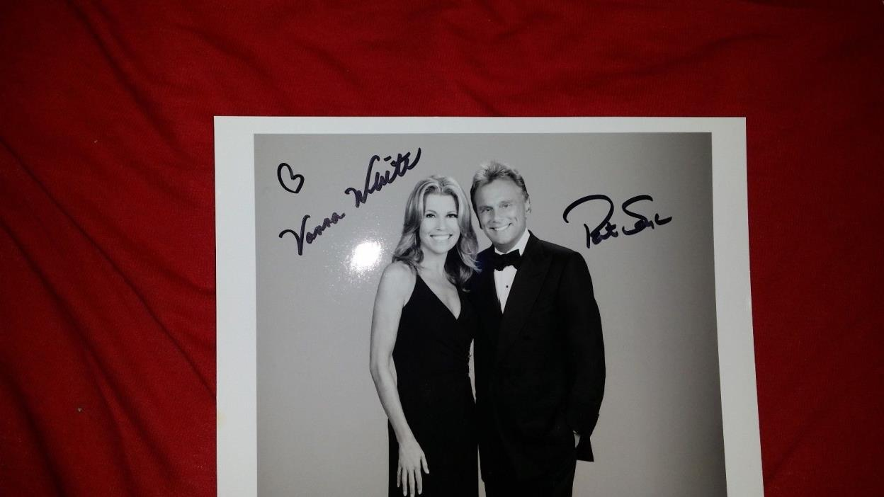 Pat Sajak & Vanna White signed CBS Television Wheel Of Fortune 8x10 photo